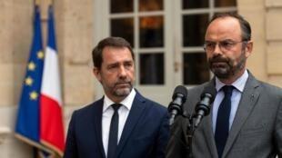 Thủ tướng Édoaurd Philippe phát biểu tại điện Matignon, bên cạnh bộ trưởng Nội Vụ, Paris, ngày 31/07/2019.