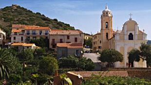 卡尔热斯滨海镇拉丁天主教堂与希腊东正教天主教堂