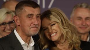 آندرهیی بابیس نخست وزیر چک و همسرش مونیکا