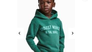 A imagem foi removida de todos os canais H&M, segundo a porta-voz da marca.