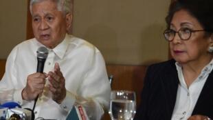 Cựu ngoại trưởng Philippines Albert del Rosario phát biểu tại một hội nghị ở Manila ngày 22/03/2019.