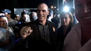 Yanis Varoufakis, le ministre grec des Finances, lors du meeting en faveur du «non» au référendum organisé ce dimanche 5 juillet en Grèce.