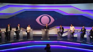 Ocho de los trece candidatos a la presidencia de Brasil celebraron un primer debate televisivo, este 9 de agosto de 2018.