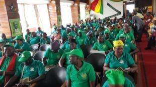 Teve hoje início em Bissau a reunião do PAIGC que decorrerá até sábado.—O objectivo é de reunir militantes e dirigentes de maneira a decidir o futuro e a estratégia do partido.