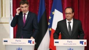 Франсуа Олланд и Таави Рыйвас на пресс-конференции в Елисейском дворце 08/07/2014