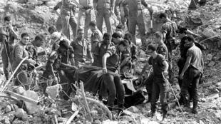 Octobre 1983, rubble of Drakkar building, Beirut.