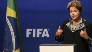 A presidente Dilma Rousseff, nesta quinta-feira (23), na sede da Fifa.