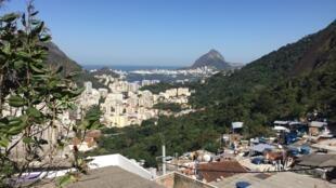 Morro Santa Marta, a primeira comunidade pacificada do Rio de Janeiro.