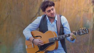 """Автор и певец Tibz (Тибо Годийа) в клипе """"Nation"""""""
