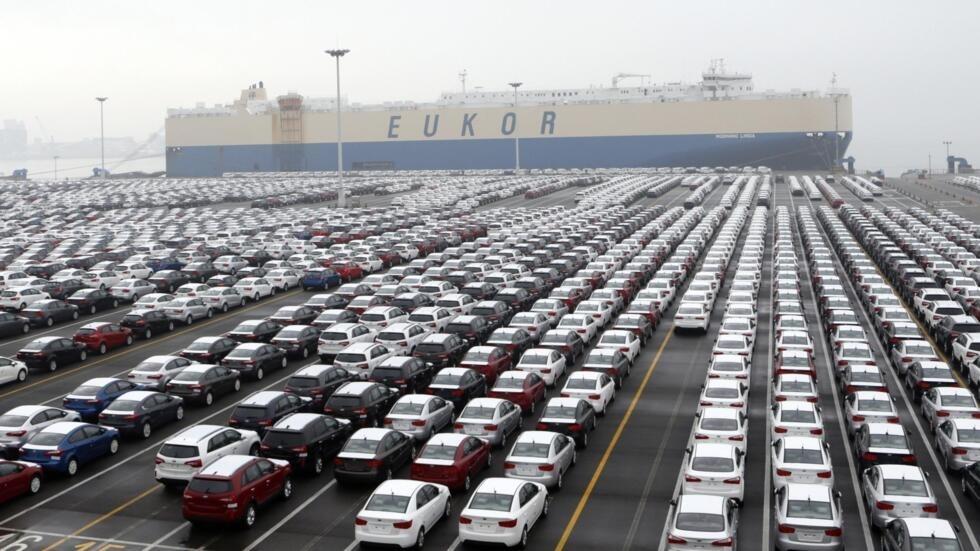 Автомобили Hyundai Motor Co в порту в 70 км от Сеула, 2013.