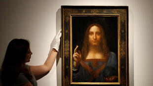 被認為是意大利畫家達芬奇創作的一副油畫《救世主》天價拍賣成功