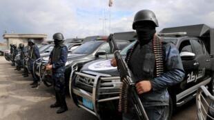 Banlieue de Tripoli: des forces de sécurité se déploient le 14 janvier 2020.