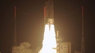 Ariane 5 rocket lifts off from Kourou, French Guyana