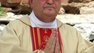 Le prêtre Tadeusz Rydzyk est aussi le fondateur d'un quotidien, une télévision ultra-conservatrice et une radio nationale.