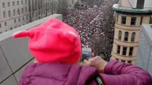 """Марш женщин"" против Дональда Трампа в Вашингтоне, 21 января 2017 г."