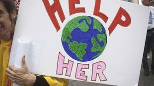 «Ayúdenla», es el mensaje enviado por los manifestantes del mundo entero para los Jefes de Estado que se reúnen en la cumbre sobre el clima de la ONU en Nueva York.