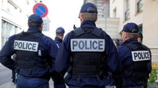 Police patrol in Paris