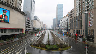 Une vue de Wuhan, dans la région du Hubei, après l'interdiction de circulation de la grande majorité des véhicules dans le centre ville, le 26 janvier 2020.