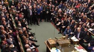 Tại Nghị Viện Anh, thủ tướng Boris Johnson tuyên bố tạm dừng việc xem xét dự luật Brexit, ngày 22/10/2019.