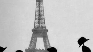 A bordo do seu dirgível Número 6, Santos Dumont circunavegou a Torre Eiffel, em 19 de outubro de 1901