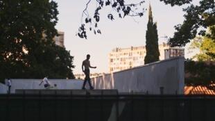 Capture d'écran du premier épisode de «Médias, les quartiers vous regardent».