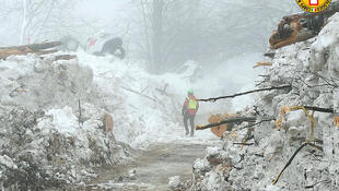 As operações de busca no hotel soterrado por uma avalanche no dia 18 de janeiro no centro da Itália terminaram após a descoberta dos últimos corpos.