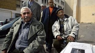 Retired immigrants from North Africa in Marseille