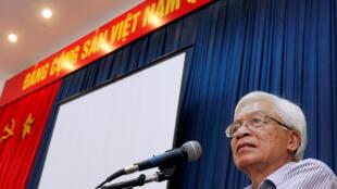 Ảnh tư liệu: Giáo sư Chu Hảo phát biểu tại một hội nghị ở Hà Nội, ngày 11/07/2014