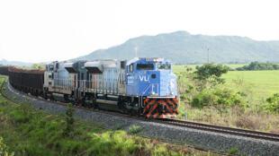 Transporte de madeira na ferrovia Norte-Sul Palmas-Anápolis.