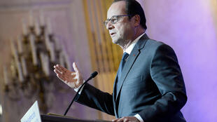 French President Francois Hollande delivers a speech during a symposium on re-founding democracy (Refaire la democratie) at the Hotel de Lassay, residence of the National Assembly speaker, in Paris, France, October 6, 2016.