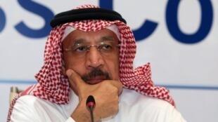 Le ministre saoudien de l'Energie, Khaled al-Faleh lors d'une conférence de presse, le 21 janvier 2018 à Oman.