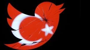 Twitter est rétabli en Turquie mais le gouvernement garde encore la main sur une partie d'Internet.