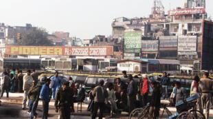 A estação de trem de Nova Déli perto da zona comercial de Connaught Place, onde a turista dinamarquesa que estava perdida pediu informações a um grupo de homens de como chegar ao seu hotel.