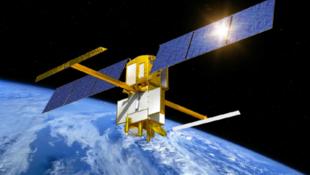 Conceito do satélite SWOT (Surface Water Ocean Topography ). Ele será lançado em 2021 para permitir o estudo topográfico dos oceanos e das águas da superfície terrestre.