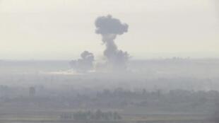 Les forces turques bombardent une position kurde à la frontière syrienne.