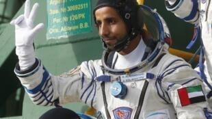 L'astronaute émirati Hazza Al Mansouri à bord de la fusée Soyouz avant son décollage pour l'ISS, le 25 septembre 2019.