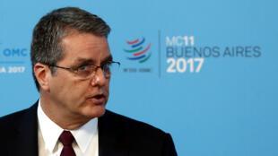 លោក Roberto Azevedo អគ្គនាយក WTO/OMC ក្នុងពេលធ្វើសន្និុសីទថ្ងៃទី១០ ធ្នូ ២០១៧
