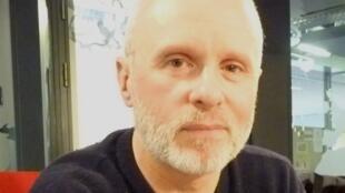 Ramón Lazkano en los estudios de RFI.