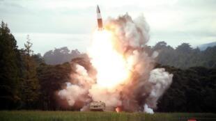 Bắc Triều Tiên thử tên lửa. Hình ảnh được KCNA công bố ngày 16/08/2019.