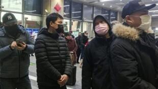 """武漢從23日當地時間10時起正式""""封城"""",無特殊原因,市民不能離開武漢。"""