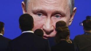 Фестиваль «Артдокфест» завершился фильмом Виталия Манского «Свидетели Путина»