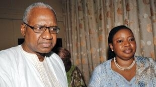 Fatou Bensouda, mai shigar da kara ta kotun duniya da ministan shari'ar Guinea Cheik Sako a birnin Conakry, ranar 3 ga watan yulin 2015