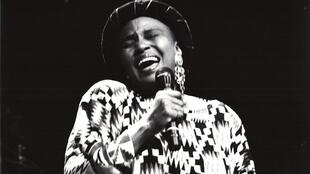 Fitacciyar mawakiyar Afrika ta kudu Miriam Makeba.