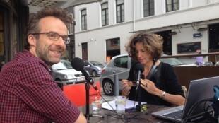 Gilles Dal et Emmanuelle Bastide, Place Flagey à Bruxelles.