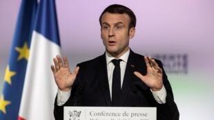 O Presidente Macron durante a sua visita em Mulhouse, neste 18 de Fevereiro de 2020.