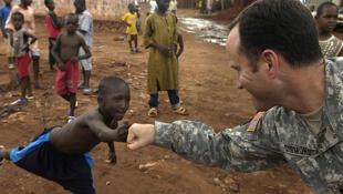Một quân nhân Mỹ tại Mali trong chương trình Đối tác xuyên Sahara chống khủng bố.