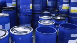 Des barils de pétrole.