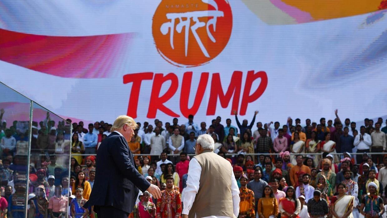 En Inde, la valse à deux temps de Donald Trump