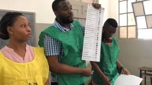 15 octobre à Maputo. Jour de vote pour les élections générales.