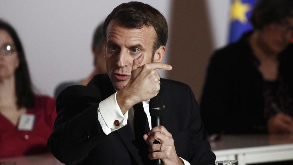 La Convention citoyenne sur le climat remet ses travaux à Emmanuel Macron